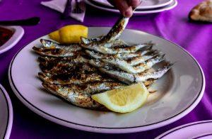 sardinas espeto con limon