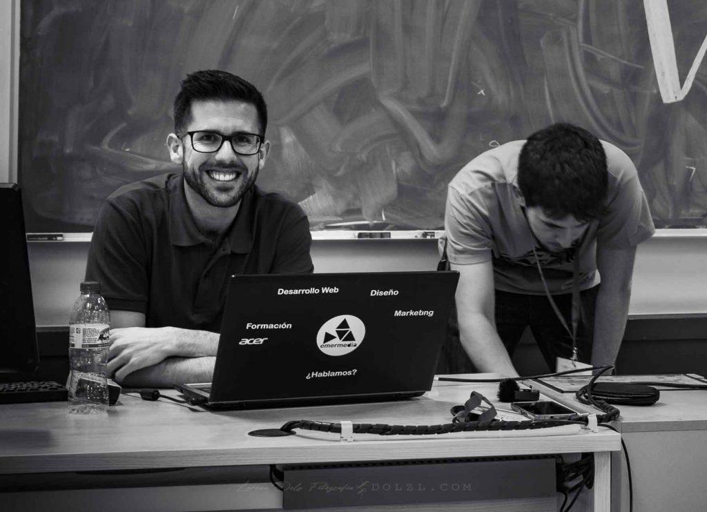 mesa dani Serrano ponencia wordcamp málaga