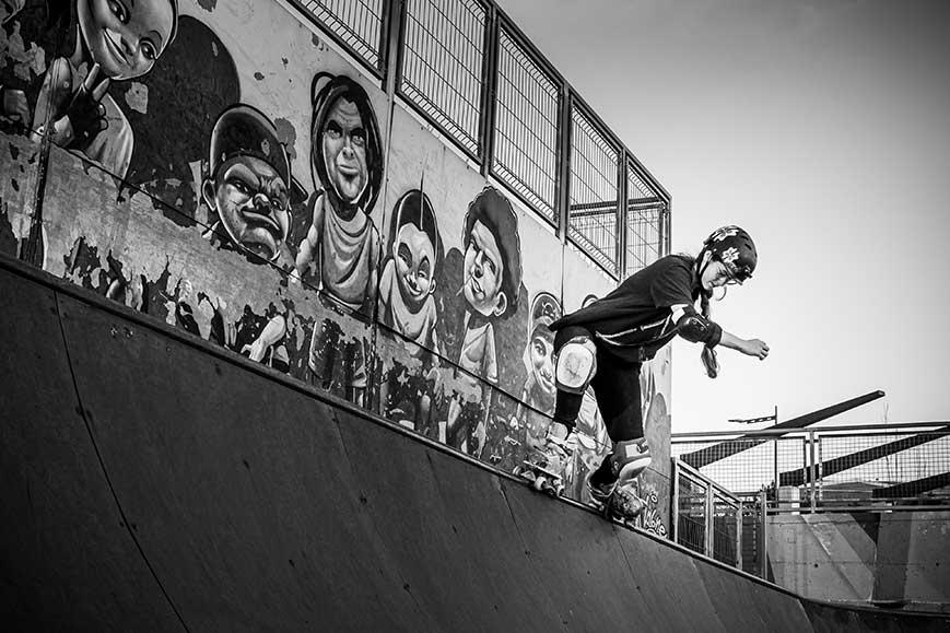 Patinadora quad en rampa skatepark Málaga Rubén Alcantara