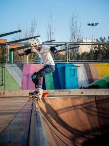 Patinador quad en rampa skatepark Málaga Rubén Alcantara