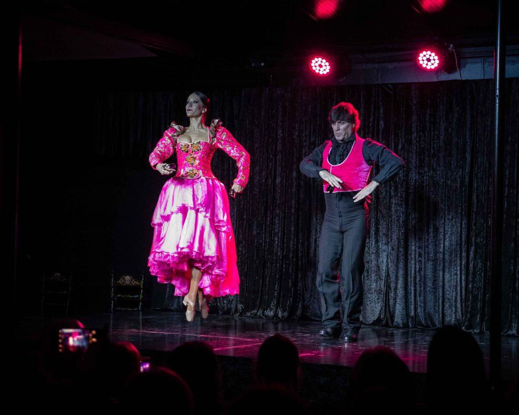 grupo de baile trajes fucsia