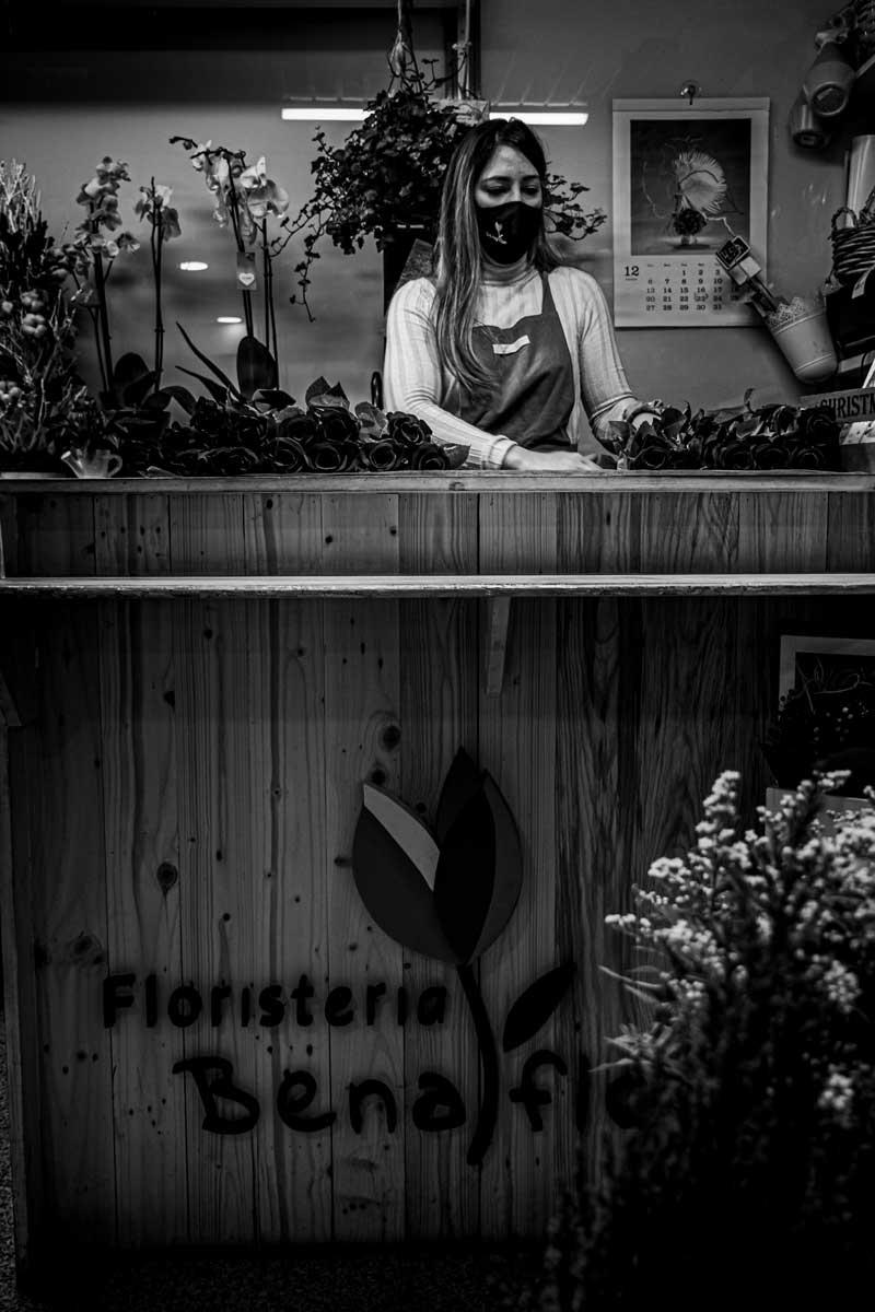 Fotografia para perqueña empresa Mostrador floristeria